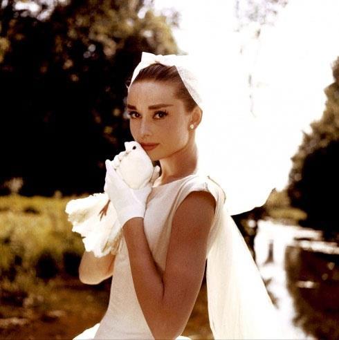 Iconic Wedding Dresses the greedy book